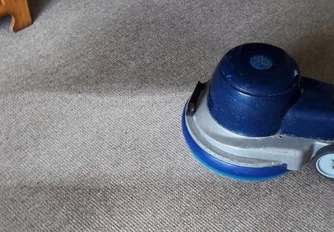 Zelf Tapijt Reinigen : Tapijt reinigen l j de vries schoonmaakbedrijf